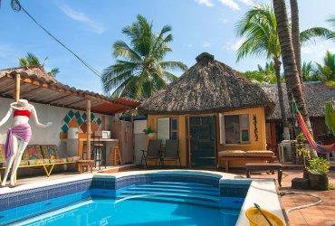 Instalaciones hotel cayo coco for Hotel piscina privada